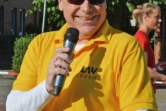 """""""Der Lauf wird schnell, hart und heftig"""" war sich Stefan Drewes sicher, der gemeinsam mit Heiko von Bargen moderierte."""