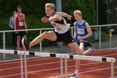 Jannes-Hinrich Corleis (vorne) kam im 110 m Hürdenlauf auf den dritten Platz.
