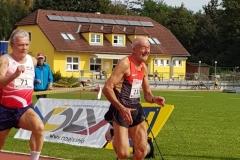 Finale 100m mit Helmut Meier (re.) und Lazlo Dömös. (Foto: Rita Meier)