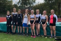 Teilnehmende aus den Altersklassen U14 und U16. Darunter auch Hanne Jo Rötting (2. v. re.), welche in ihrer Altersklasse erneut einen neuen Kreisrekord im Hammerwurf aufstellte.