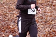 Ariane Thal bei ihrem Lauf über die 1800m-Distanz. In der Wertung der Jugend W15 kam sie auf den zweiten Platz.