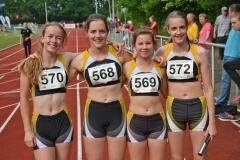 zi01: Am Start im WJ U18-Wettbewerb war auch die junge 4 x 100m Staffel der LAV Zeven mit Anna Hilken, Lena Behrens, Anna Eckhoff und Nele Müller (v.li.).