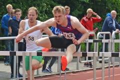 zi09: Henrik Hannemann (LAZ Ludwigsburg) gewann das Finale der 110m Hürden der Männer in 14,87 Sekunden.