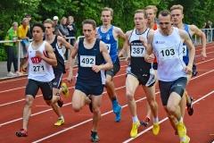 zi08: Den schnellsten 800m-Lauf gewann Arne Achmus (271, Delmenhorster TV, 1:55,36 min).