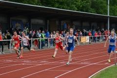 Magnus Buchwald (Nr. 251, 1. LAV Rostock) gewann den Finallauf der MJ U20 in 10,76 sec.