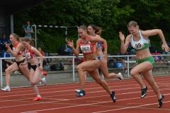 100m-Lauf der Frauen mit der Siegerin Anna-Lena Freese (Nr. 367, FTSV Jahn Brinkum, 11,72 sec).