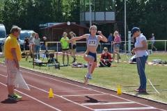 Lucy Junge (HSG Universität Greifswald) siegte im Dreisprung der WJ U18 mit 11,53m.