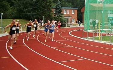 1. Wechsel 4x100m Staffel bei den Nordd. Meisterschaften in Büdelsdorf