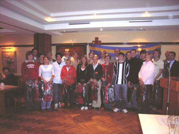 24 Kreismeister 2005 wurden vorgestellt und erhielten eine Sporttasche gestiftet von der KSK Rotenburg - Bremervörde