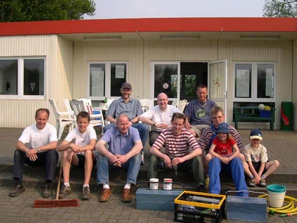 Auch zum Ende des arbeitsreichen Samstagnachmittags konnten die verbliebenen ehrenamtlichen Helfer noch lächeln.