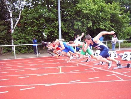 100m Endlauf der Männer 1. Platz Marc Blume TV Wattenscheid 10,45 s.