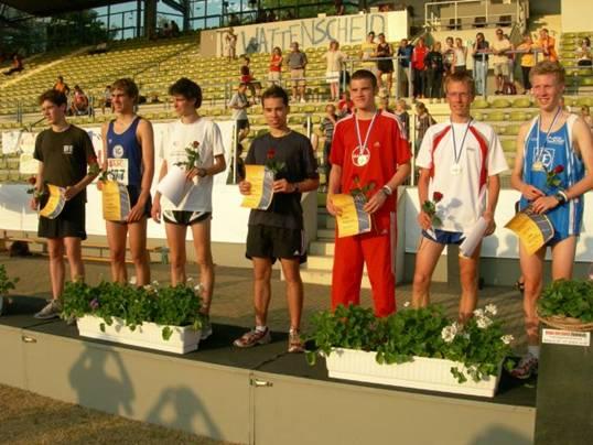 Foto: Siegerehrung 3000m  auf den ersten Plätzen von rechts nach links: Ringer, Orth, Hahn, Gerschler, Perth