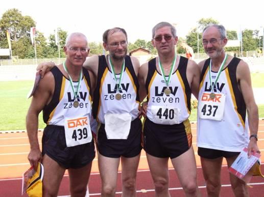 Zevener M50 Sprintstaffel 4x100m gewinnt erneut die Deutsche Meisterschaft