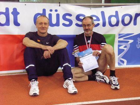 Nach dem 400m Lauf M50 Deutscher Meister Helmut Meier und 6. Platz für Friedrich Müller