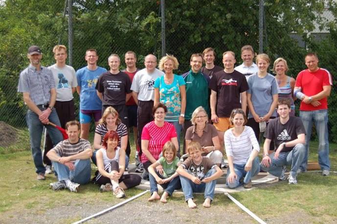 Zi01: Auch in Zeven fanden vor einiger Zeit die diesjährigen Landesmeisterschaften im Rasenkraftsport statt.
