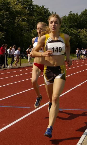Tami Gerken lief mit 2:19,70 Min. über 800m auf den 3. Platz