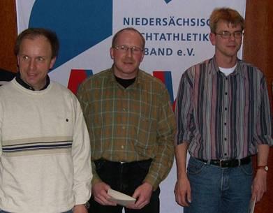 Verleihung der NLV-Ehrennadel 2004 Hier zusammen mit Hans-Jürgen Harms und Thomas Zschiesche.
