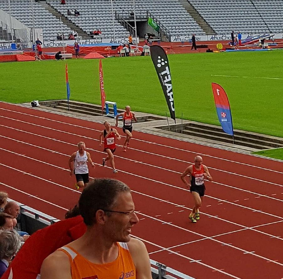 Platz zwei im Vorlauf 400m (der Vorlauferste ist schon aus dem Bild verschwunden). 63.71 sec bedeutet die 4. schnellste Zeit aller Teilnehmer.