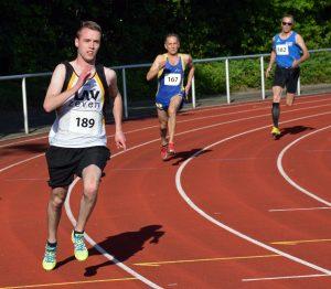 zi03: Steffen Meinke (Nr. 189) war mit seiner Leistung im 400m-Lauf zufrieden.