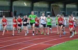 zi06: Über die 3000m starteten die Teilnehmenden in einem gemischten Wettbewerb.
