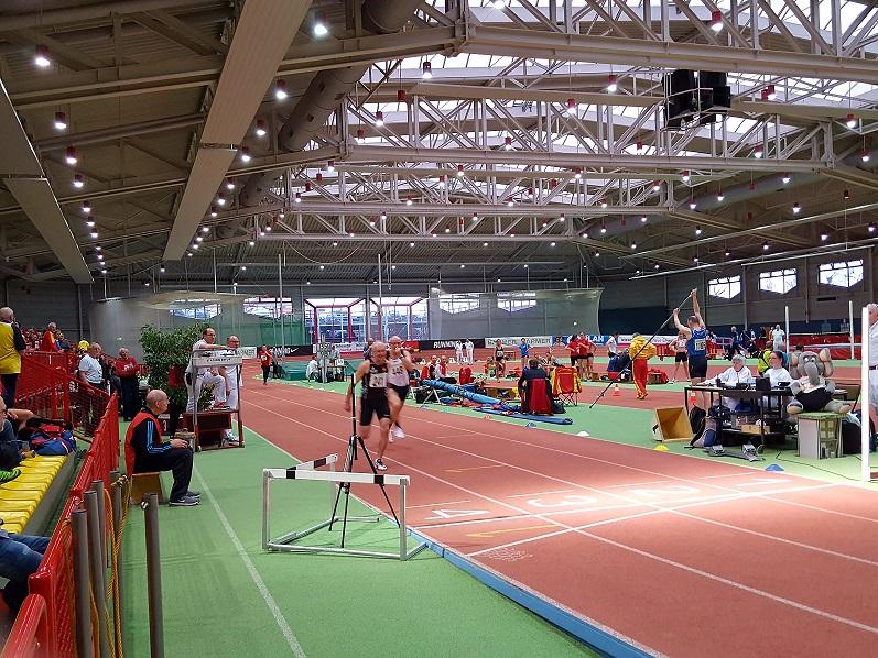 3. Zeitlauf Finale M65 200m Zieleinlauf Dorschner knapp vor Meier