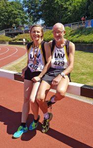 Melinda Mester und Helmut Meier nach den 80m Hürden, beziehungsweise 100m. (Foto Rita Meier)