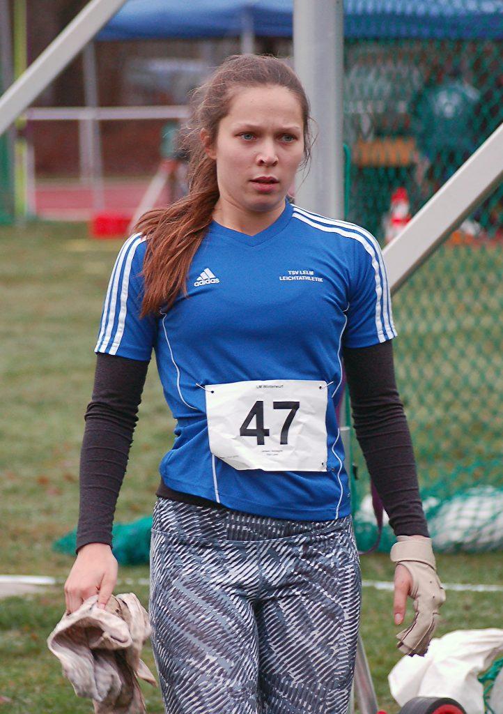 Annegret Jensen (TSV Lelm) siegte im Hammerwurf der weiblichen Jugend U18 mit 54,44m.