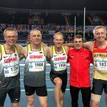 Leider lief die deutsche 4x200m-Staffel mit Czeslaw Pradzynski (2.v.li.) trotz starker Leistung mit Platz 4 knapp an Bronze vorbei.