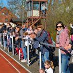Das Publikum verfolgte interessiert das Geschehen auf der Sportanlage an der Kanalstraße.