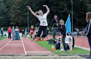 Luisa Lenz sprang in Hamburg 4,61m, ihre Saisonbestleistung, und kam damit auf den 6. Platz.