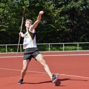 Jannes-Hinrich Corleis war im Weitsprung, beim 80m-Hürdenlauf und im Speerwurf der Altersklassen MJ U16 dabei