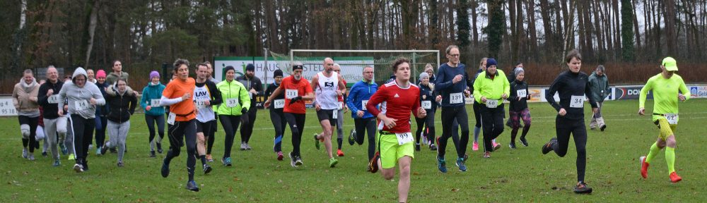 Start über die 3230m für die Altersklassen von den U18 bis zu den Senioren. Schnellster Läufer war mit der Startnummer 99 Keno Frenz (MJ U20, TuS Rotenburg, 12:59).