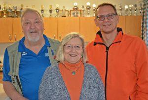 Detlef Bredehöft (re.) mit den beiden Referenten Angela und Wolfgang Schirner.