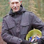 Von Rainer Lampe gab es nach dem Zieleinlauf zur Belohnung Süßes für die Aktiven.