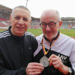 Das Sprint-Team der LAV Zeven mit Czeslaw Pradzynski (li.) und Helmut Meier.