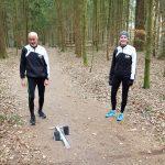 Nele Müller und Helmut Meier haben eine Trainingsgemeinschaft gebildet und üben – mit dem nötigen Abstand - ihren Sport derzeit im Wald aus.