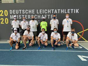 Von der Hitze erschöpft, aber sehr zufrieden stellten sich die Zevener Freiwilligen zum Gruppenbild. Alle hoffen darauf, bei den Europäischen Meisterschaften 2022 in München wieder dabei sein zu können.