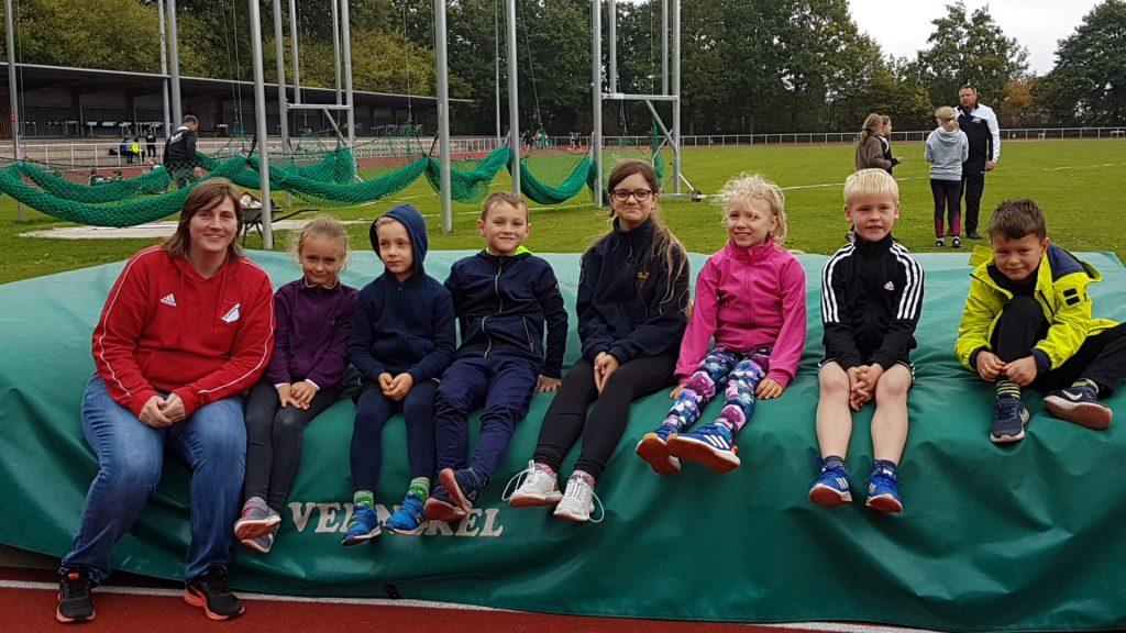 Die Trainingsgruppe des MTSV Selsingen, der Mitglied der LAV Zeven ist, nach einem erfolgreichen Wettkampf.