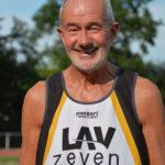 Helmut Meier – hier eine Archivaufnahme – hat in der Altersklasse M70 nun auch den Landesrekord über 100m verbessert. (Foto: Jens Zschiesche)