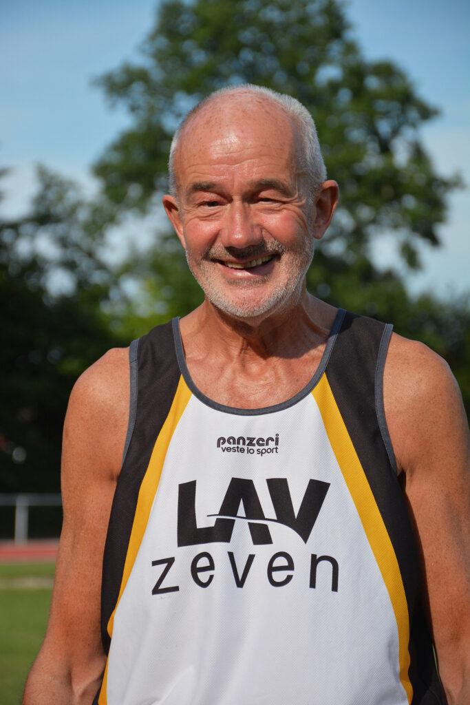 Helmut Meier (Archivaufnahme) stellte mit 3,96m einen neuen Kreisrekord im Weitsprung in der Altersklasse M70 auf.