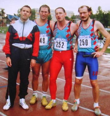4x400m Staffel M30 in Halle bei der Deutschen Senioren-DM Czeslaw Pradzynski, Jürgen Umann, Ralf-Rüdiger Olbrich und Joachim Hickisch