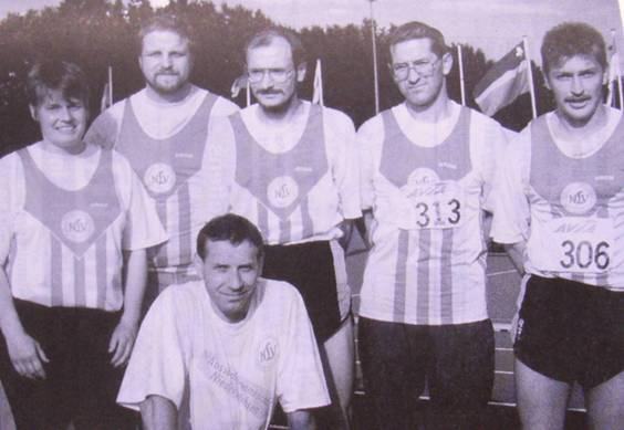Die LAV-Teilnehmer am Länderkampf in den Niederlanden: Michaela Detjen, Uwe Janssens, Joachim Hickisch, Jürgen Umann, Hans-Jürgen Reuter und Czeslaw Pradzynski